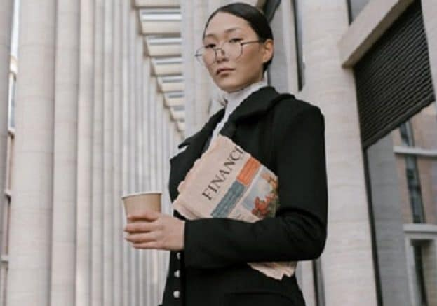 Business woman and FT